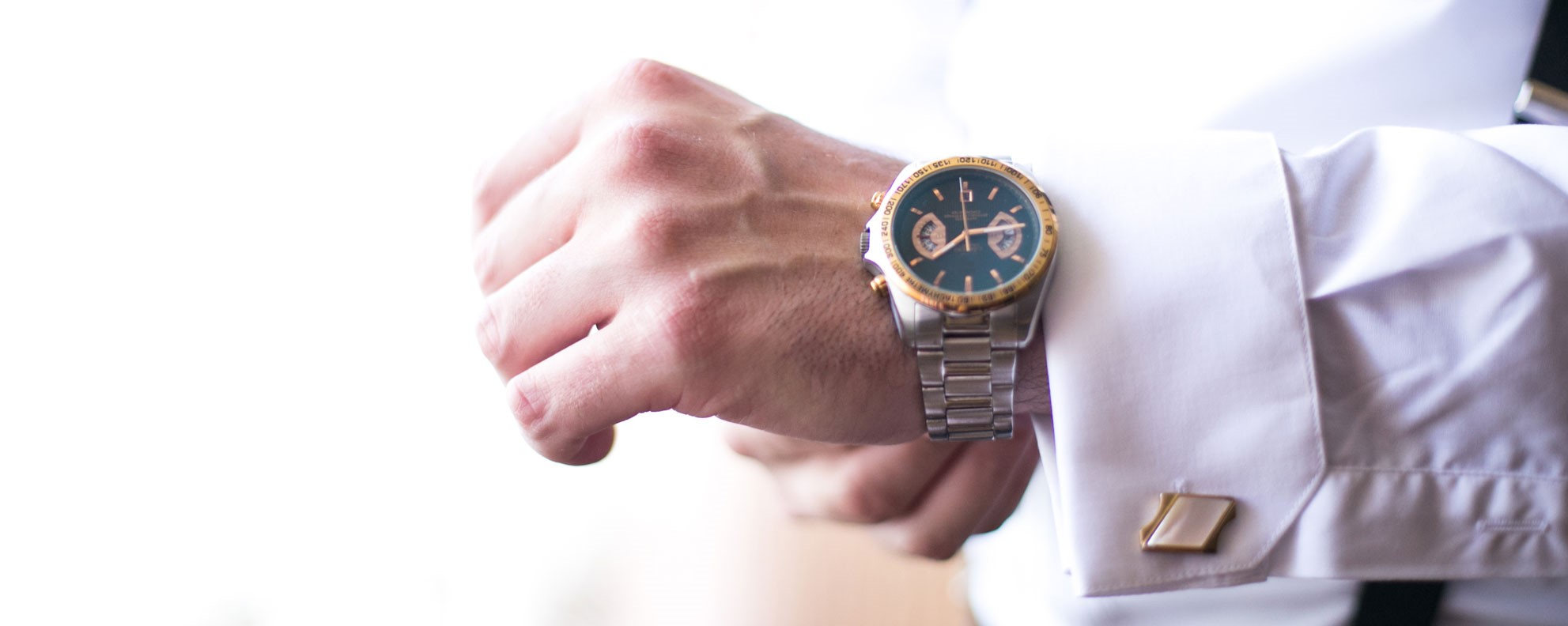 mens watch on sleve with cuff link jewelry